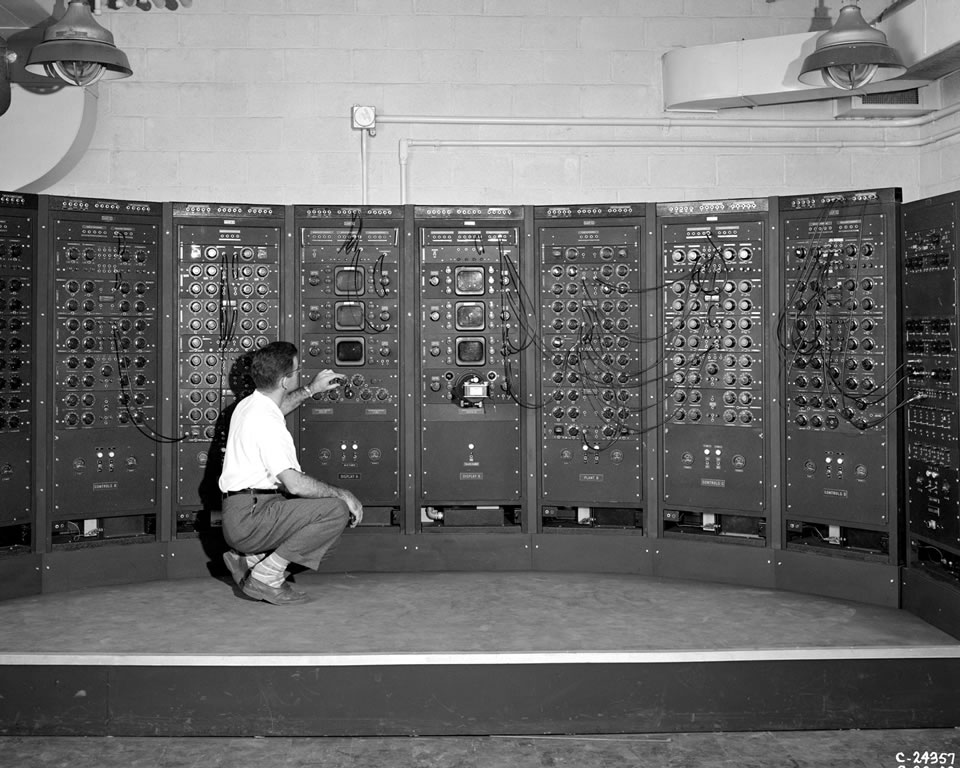 Analog Computing Machine in the Fuel Systems Building
